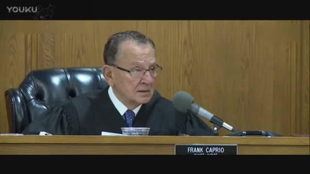法官让儿子决定父亲是否有罪 诚实回答引发全场爆笑